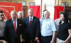 Коммунисты vs «самомедвеженцы». Выборы в Мосгордуму: против КПРФ брошены все силы