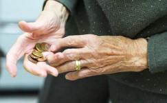 Сергей Обухов - «Свободной Прессе» об индексация пенсий: Кремль будет грабить пожилых «до упора»
