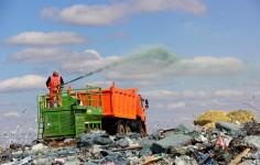 Половина россиян отказалась платить за мусор