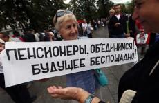 Повышение пенсионного возраста отменит не суд, а сама жизнь