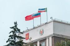 Хакасским единороссам ненавистно Знамя Победы?