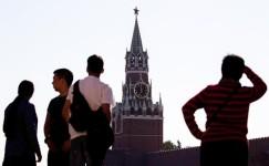 Россиянам стыдно за власть, но их протест пока выбирает кухню, а не улицу