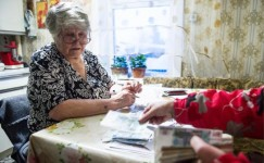 """Сергей Обухов - """"Свободной Прессе"""": Старикам к 2022-му обещают пенсии в 18000 руб, а уже сегодня нужно 25000, чтобы не умереть"""
